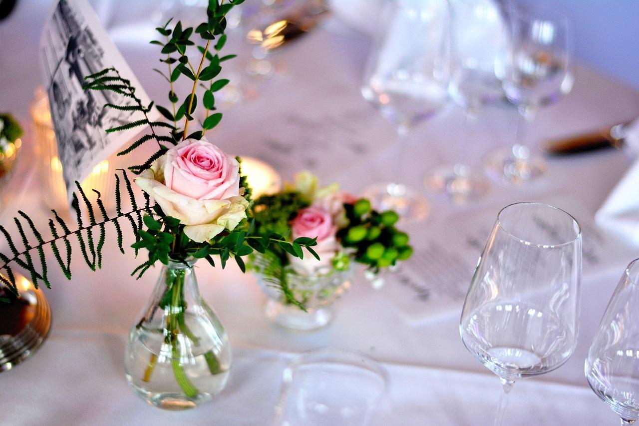 Comment faire une belle table de fête avec un petit budget ?